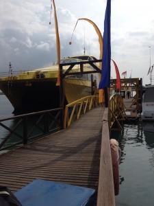Kapal Bounty Cruiser yang membawa kami wisata air